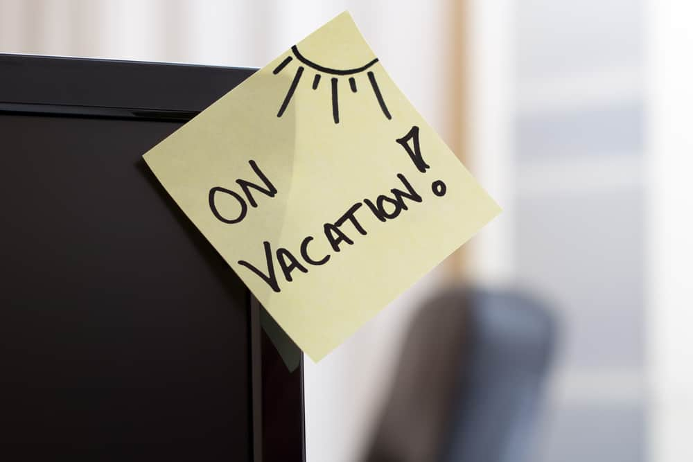 out-of-office /on-vacation sticky note